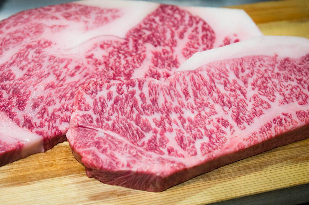 Thịt bò Snow Aging Wagyu được nhập khẩu trực tiếp từ thành phố cảng Niigata, Nhật Bản