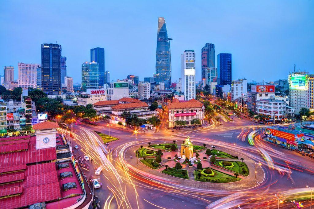Chợ Bến Thành trung tâm của ẩm thực Sài Gòn