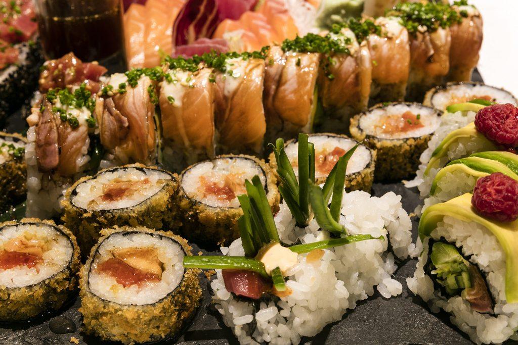 Người nhật đã nâng tầm Sushi lên đỉnh cao mới được cả thế giới chấp nhận