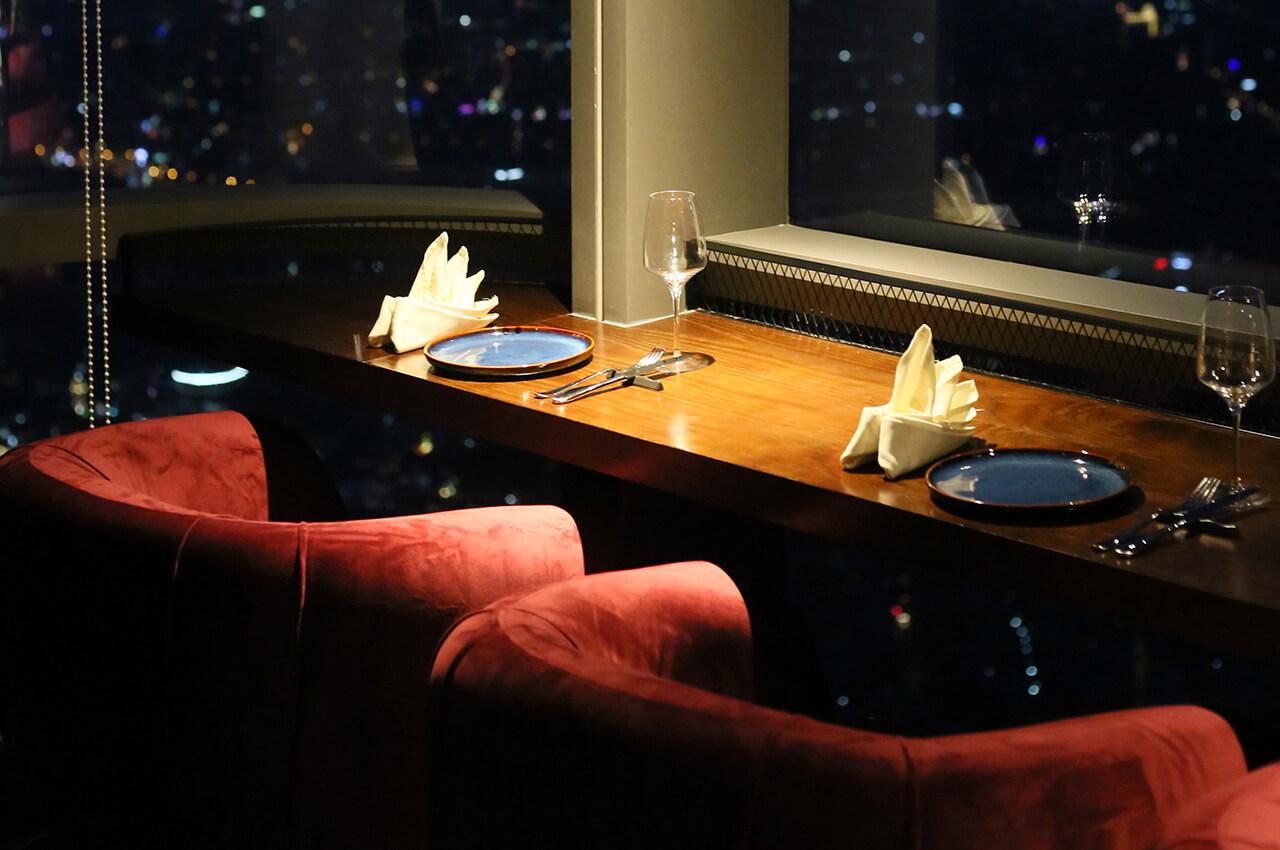 Không gian lãng mạn dành cho 2 người tại nhà hàng Ussina