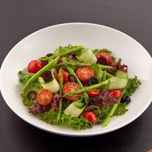 Salad cà chua hokkaido và rau hỗn hợp