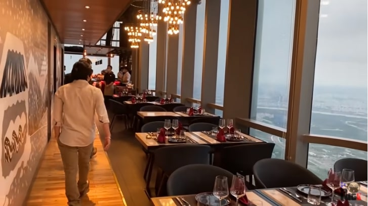Nhà hàng cao nhất Landmark 81